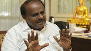 2 independents pull out of Karnataka govt, 'I am enjoying', says Kumaraswamy