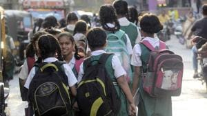 The ASER survey said about 58% students from Classes 3 to 5 were able to read the Class 2-level text.(HT Fiel /Representative Photo)