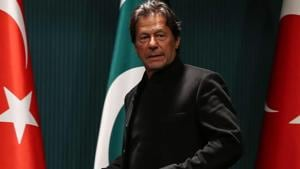 Pakistan's Supreme Court Thursday ordered the government led by Prime Minister Imran Khan to lift the travel ban imposed on opposition leaders.(AFP)