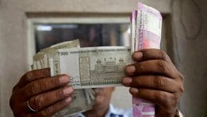 The rupee Monday weakened by 9 paise to close at 71.28 against the US dollar.(REUTERS)