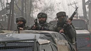 Army soldiers seen near the site of encounter in Chattergam, Budgam district, central Kashmir, India. Image for representation.(Waseem Andrabi / Hindustan Times)