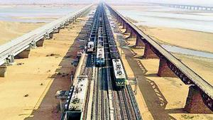 The East Central Railway (ECR) has added a third rail track to the three-km-long Dehari-Songar bridge on the Sone river in Rohtas district, the first in the country to have as many lines.(HT Photo)