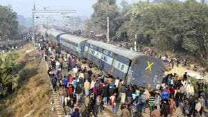 Rescue and relief work in progress after a passenger train, Seemanchal express derailed at Shahdai Buzurg station in Vaishali district of Bihar on February 3.(Santosh Kumar / HT Photo)