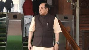 The Gandhis, through their lawyer, started cross examination of Subramanian Swamy who had filed a private criminal complaint against them in the case.(Sonu Mehta/HT File Photo)