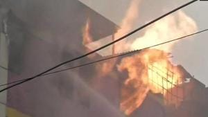 Fire breaks out at paper card factory in Delhi's Naraina, 20 fire tenders at spot(ANI Photo/Twitter)