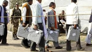 The Supreme Court on Thursday approved the Election Commission's proposal to provide electronic ballots or the internet-based voting facility to armed forces personnel who opt to vote through postal ballots.(Reuters)