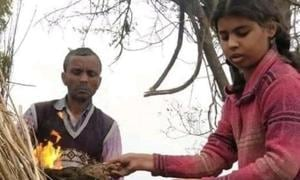 CRPF soldier's elder daughter lights pyre as thousands mourn. She is 10