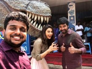 Sivakarthikeyan shared this picture with Rakul Preet Singh and director Ravikumar to confirm the commencement of the film's shoot.(Twitter)