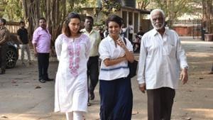 Swara Bhasker at the funeral of Raj Kumar Barjatya in Mumbai.(Varinder Chawla)