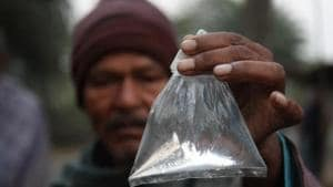 The deaths, mostly of tea estate workers in Golaghat and Jorhat districts, came less than two weeks after tainted liquor killed about 100 people in the Uttar Pradesh and Uttarakhand.(Hindustan Times/ Representative Image)