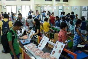 The scientific exhibition at Science park department of SPPU drew a huge crowd.(Milind Saurkar/HT Photo)