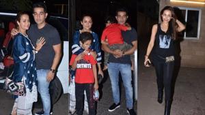 Amrita Arora with her husband and kids and Malaika Arora at their mother's birthday dinner.(Varinder Chawla)