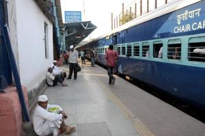 An outstation train at Panvel station.(HT Photo)