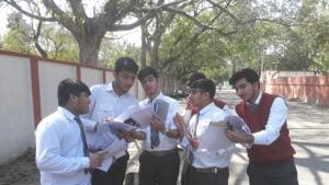 CBSE 2019 Question paper Analysis: CBSE Class 12 accountancy students complained there were typo error in the question paper. Also the paper was lengthy and confusing.(Rajeev Mullick/HT Photo)