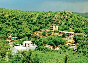 Environmentalists, on the other hand, say that it is not legally permissible to 'own' PLPA-notified Aravalli land, and that the land has been privatised through 'dubious' means.(HT File Photo)