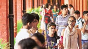 Delhi University (DU) has asked the heads of 11 departments and a college to initiate the process for revising the curriculum.(Saumya Khandelwal/HT PHOTO)