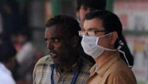 Delhi hospitals may have reported 14 deaths due to swine flu (H1N1) during the week ending on March 24, but the number of cases has actually gone down owing to rising temperatures, experts say.(Photo by Parveen Kumar/Hindustan Times)