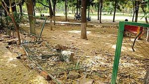 In June last year, the MCG completed a survey to determine the 20 least-maintained parks, following the civic body took over their maintenance from RWAs(Parveen Kumar/HT Photo)