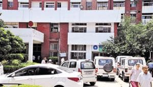 'Each flat owner must get one parking space': Consumer forum to BMC(Photo by Chinmaya Sharma /Hindustan Times)