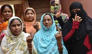 Jamu Bihar_April 11,2019: People in a queue for casting their vote during the first phase of the general elections, at a polling station in Jamui district of Bihar, Bihar India on Thursday, April 11,2019.(Photo by Santosh Kumar/Hindustan Times)