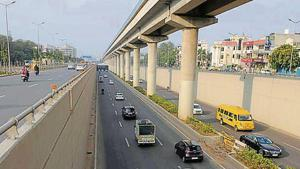 The Golf Course Road is one of the city's widest and longest roads at 8 kilometres, with seven underpasses, and benefits more than 1.5 million residents living nearby.(HT File)