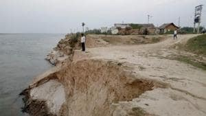 Land erosion caused by river Ganga.(HT)