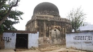 Tucked away in Sohna, two decaying tombs