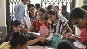 DU mulls online marks calculator, hike in admission cancellation fee