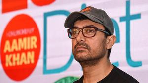 Aamir Khan, who will be seen next in a film titled Laal Singh Chaddha, looks on during the launch of a book about weight loss in Mumbai on March 27, 2019.(AFP)