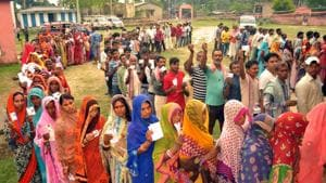 People in a long queue at one of the booths during polling at Jhanjharpur Bihar India on Tuesday April 23,2019(HT)