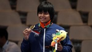 Wrestling - 2018 Asian Games – Women's Freestyle 76 kg Medal Ceremony - JCC – Assembly Hall - Jakarta, Indonesia – August 21, 2018 – Bronze medalist Divya Kakran of India poses on the podium. REUTERS/Issei Kato(REUTERS)