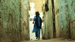 7-year-old Telangana girl falls into neighbour's bathroom, survives on water for four days (Representative Image)(HT File)