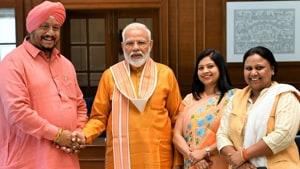 PM Modi tweeted this photo with Avtar Singh, Anju Kamalkant and Sunita Kangra, the newly elected mayors of North, East and South Delhi, April 28, 2019.(Photo Credit: @narendramodi)