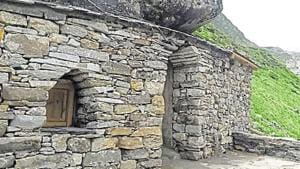 Now, complimentary stay at meditation cave in Kedarnath