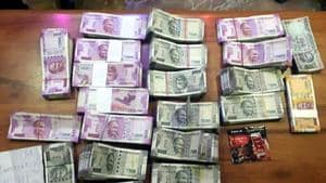 Cash, crude arms seized from offices of 2 political parties in Tamil Nadu. (Representative Image)(HT Photo)