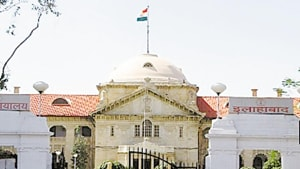 A division bench of justice Pankaj Kumar Jaiswal and justice Rajnish Kumar passed the order on Friday, on a public interest litigation petition raising the issue of encroachments in front of the said hospitals and the PGI.(HT Photo)