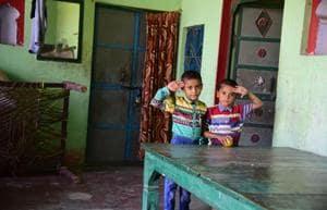 Samar and Sahir, sons of slain CRPF jawan Mahesh Kumar posing for the camera.(Sheeraj Rizvi/HT Photo)