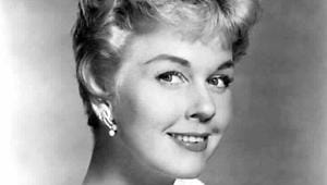 Doris Day, iconic Hollywood singer-actor who sang Que Sera Sera, dies at 97