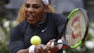 Serena Williams eases to victory against Rebecca Petersen in Rome return