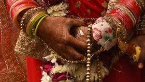 Woman calls off wedding after groom shows up drunk