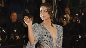 Hina Khan poses for photographers upon arrival at the premiere of the film Bacurau at the 72nd international film festival, Cannes, southern France, Wednesday, May 15, 2019.(Arthur Mola/Invision/AP)