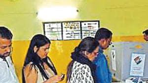 In all, while Delhi has 14.3 million electors, at least 6.4 million were female.(HTPhotos)