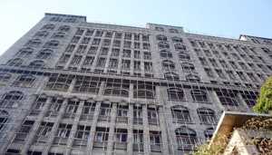 Currently, the Mumbai Metropolitan Region (MMR) sees a sale of almost 70,000 units annually, of which 18,000 units are sold in Mumbai region.(HT Photo)