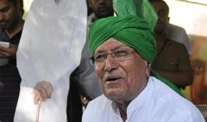 The Enforcement Directorate (ED) has provisionally attached the property of former chief minister of Haryana Om Prakash Chautala worth nearly Rs 2 crore on charges of laundering money.(Hindustan Times)