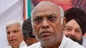 All India Congress Committee general secretary and Maharashtra in-charge Mallikarjun Kharge said the party may appoint members from marginalised or minority communities(HTPhotos)
