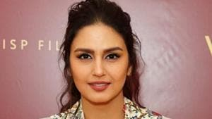 Huma Qureshi makes heads turn with her latest red carpet look