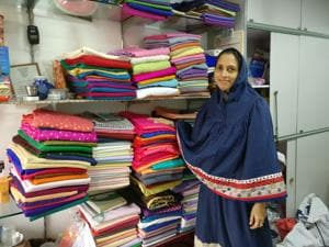 Rashida Lokhandwalla's store, Zarrin Arts, stocks the most colourful trimmings and frills for ridas and offers customisation and embroidery work fas well.(Rachel Lopez/HT)