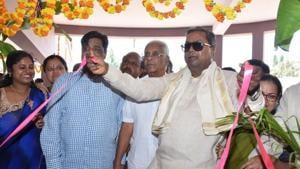 On Yeddyurappa's prediction for Karnataka, Siddaramaiah responds with a dare