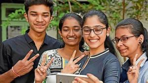 Most colleges that recorded a cent percent pass rate are from Thane, Panvel and adjoining areas.(HT Photo)