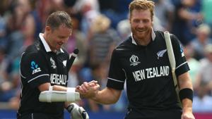 New Zealand's Colin Munro (L) celebrates with teammate New Zealand's Martin Guptill after victory.(AFP)